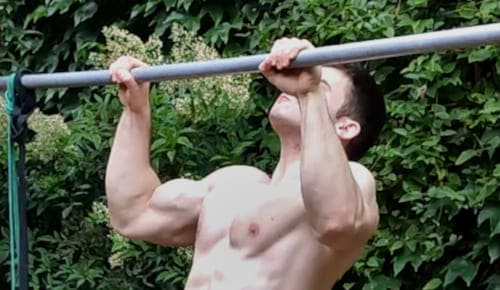 Middle Pause Pull Ups