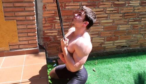 One Arm Lat Pull-down